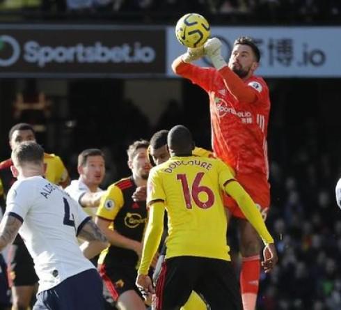 English Premier League: Penalty Fail, Watford vs Tottenham Draw