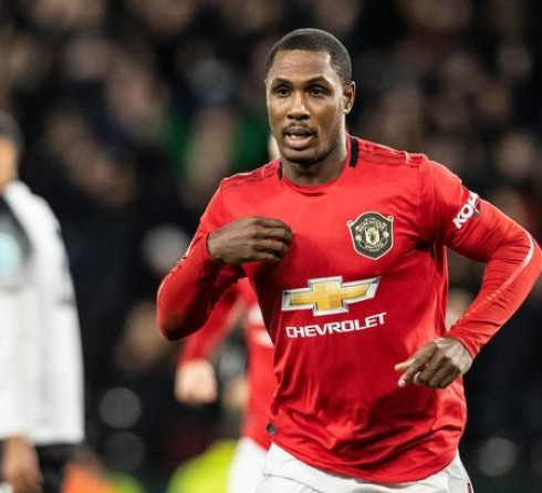 Manchester United extend Ighalo contract until 2021
