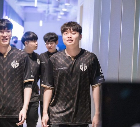 Gen.G and FlyQuest Stories Towards League of Legends World Championship 2020