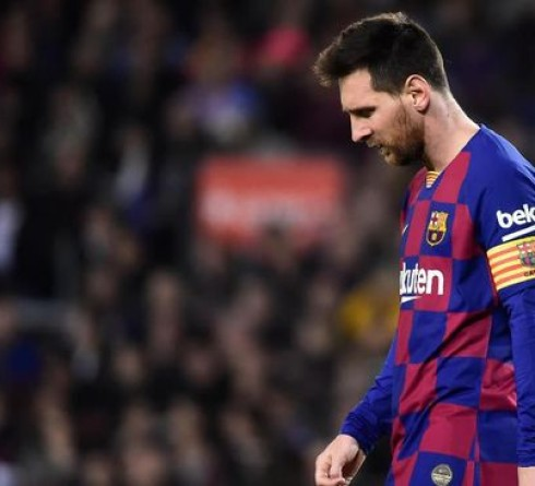 Real Madrid vs Barcelona: Messi's Request to the Referee During the Match