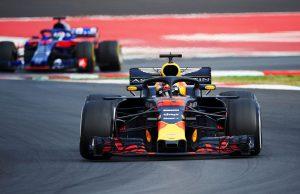 Red Bull Honda talks over engine