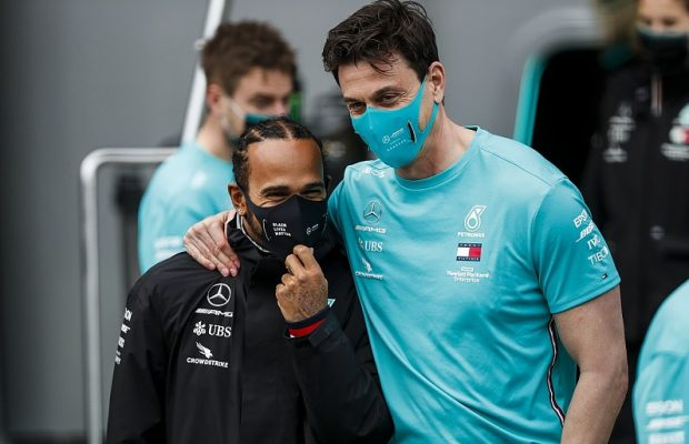 Mercedes and Hamilton to finalize contract in 2021