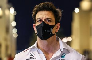 Toto Wolff to stay with Mercedes