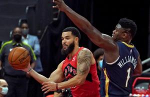 NBA: Pecilans Beat Raptors 113-99 in Opener