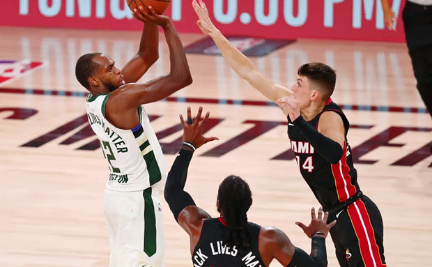 Milwaukee Bucks Set Record for 3-pointers in Rout of Miami Heat