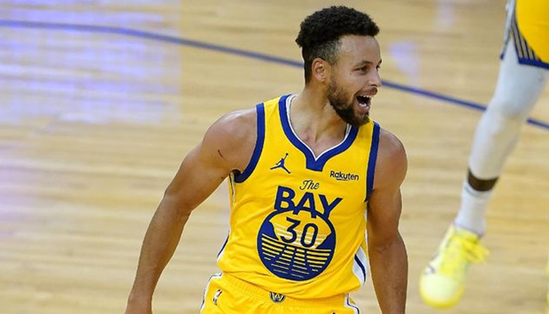 Stephen Curry Scores a Career High 62 Points in the Game