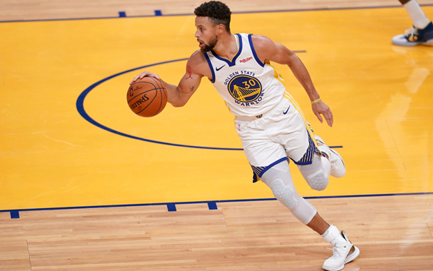 LeBron James Seduces Stephen Curry Into Joining the Los Angeles Lakers