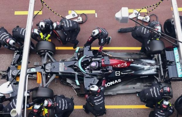 Mercedes reveal tyre removal failure