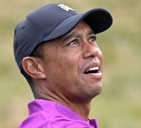 Tiger Woods Mengalami Kecelakaan Tunggal