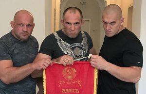 Dua petarung bebas rusia
