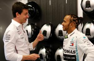 "F1: Toto Wolff Dukung Sikap Lewis Hamilton Terhadap ""Rasisme"""