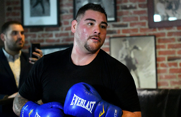 Andy Ruiz Kembali Berlatih, Masih Ingikan Pertarungan Kelas Berat
