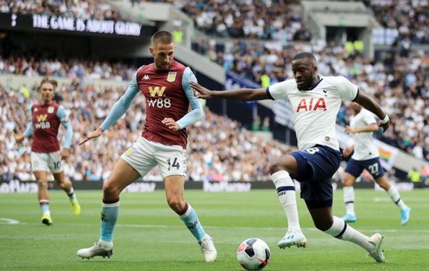 Laga Aston Villa vs Tottenham Hotspur Ditunda Akibat Covid-19