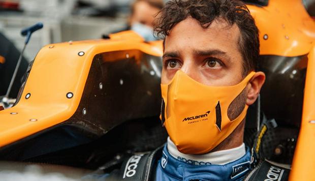 Ricciardo Kunjungi Markas McLaren