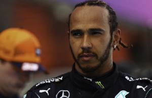 Lewis Hamilton Tak Nyaman dengan Ban Lunak