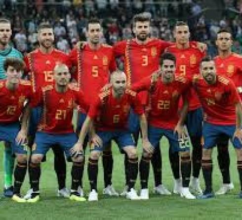 ฟุตบอล คัดยูโร 2020 กลุ่ม เอฟ ทีมชาติสวีเดน (2) -vs- ทีมชาติสเปน (1) เวลา  : 01.45 น. สนาม : เฟรนด์ส อารีน่า ราคาบอล : ทีมชาติสเปน ต่อ 0.5