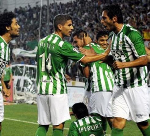 ฟุตบอล ลา ลีกา เรอัล โซเซียดาด (5) -vs- เรอัล เบติส (16) เวลา : 19.00 น. สนาม : มูนิซิปัล เด อโนเอต้า ราคาบอล : โซเซียดาด ต่อ 0.5/1 -5