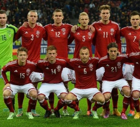 ฟุตบอล คัดยูโร 2020 กลุ่ม ดี ทีมชาติไอร์แลนด์ (3, 12 คะแนน) -vs- ทีมชาติเดนมาร์ก (1, 15 คะแนน) เวลา : 02.45 น. สนาม : อาวีว่า สเตเดี้ยม ราคาบอล : ทีมชาติเดนมาร์ก ต่อ ปป -5