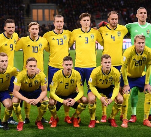 ฟุตบอล คัดยูโร 2020 กลุ่มเอฟ ทีมชาติโรมาเนีย (3) -vs- ทีมชาติสวีเดน (2) สนาม : อารีน่า เนชั่นนาลา เวลา : 02.45 น. ราคาบอล : เสมอ