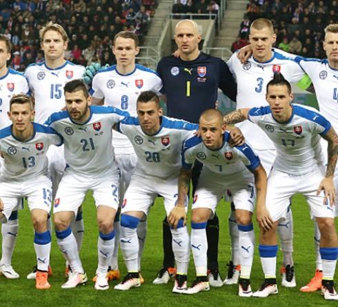 ฟุตบอล คัดยูโร 2020 กลุ่มจี ทีมชาติโปแลนด์ (1) -vs- ทีมชาติสโลวีเนีย (3) เวลา : 02.45 น. สนาม : เท็ดดี้ มัลชา สเตเดี้ยม ราคาบอล : ทีมชาติโปแลนด์ ต่อ 0.5/1